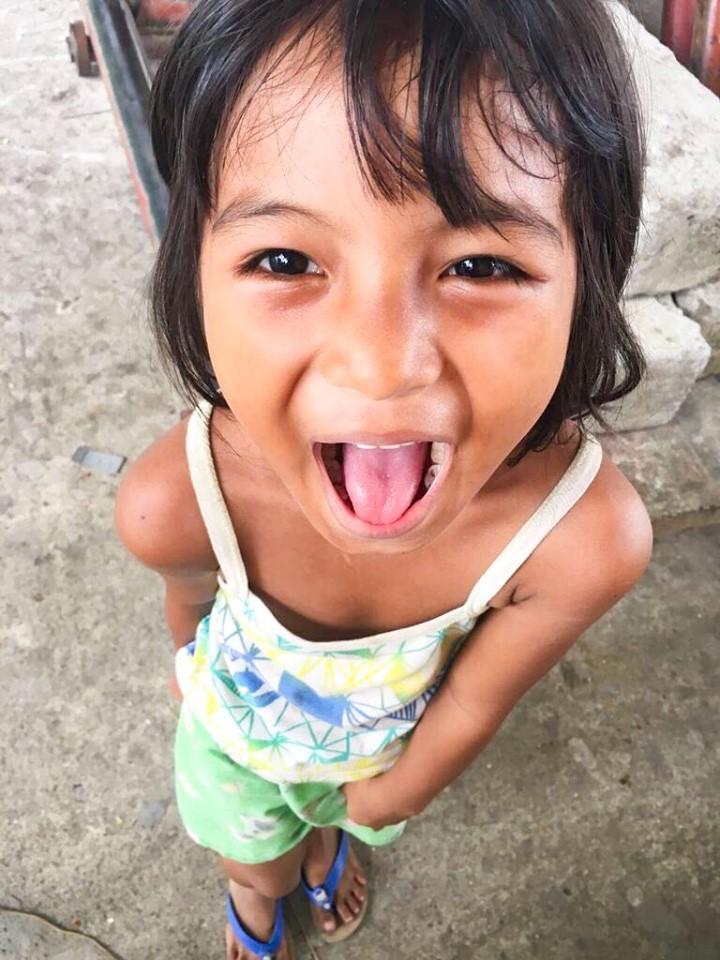 カミギン島の子ども