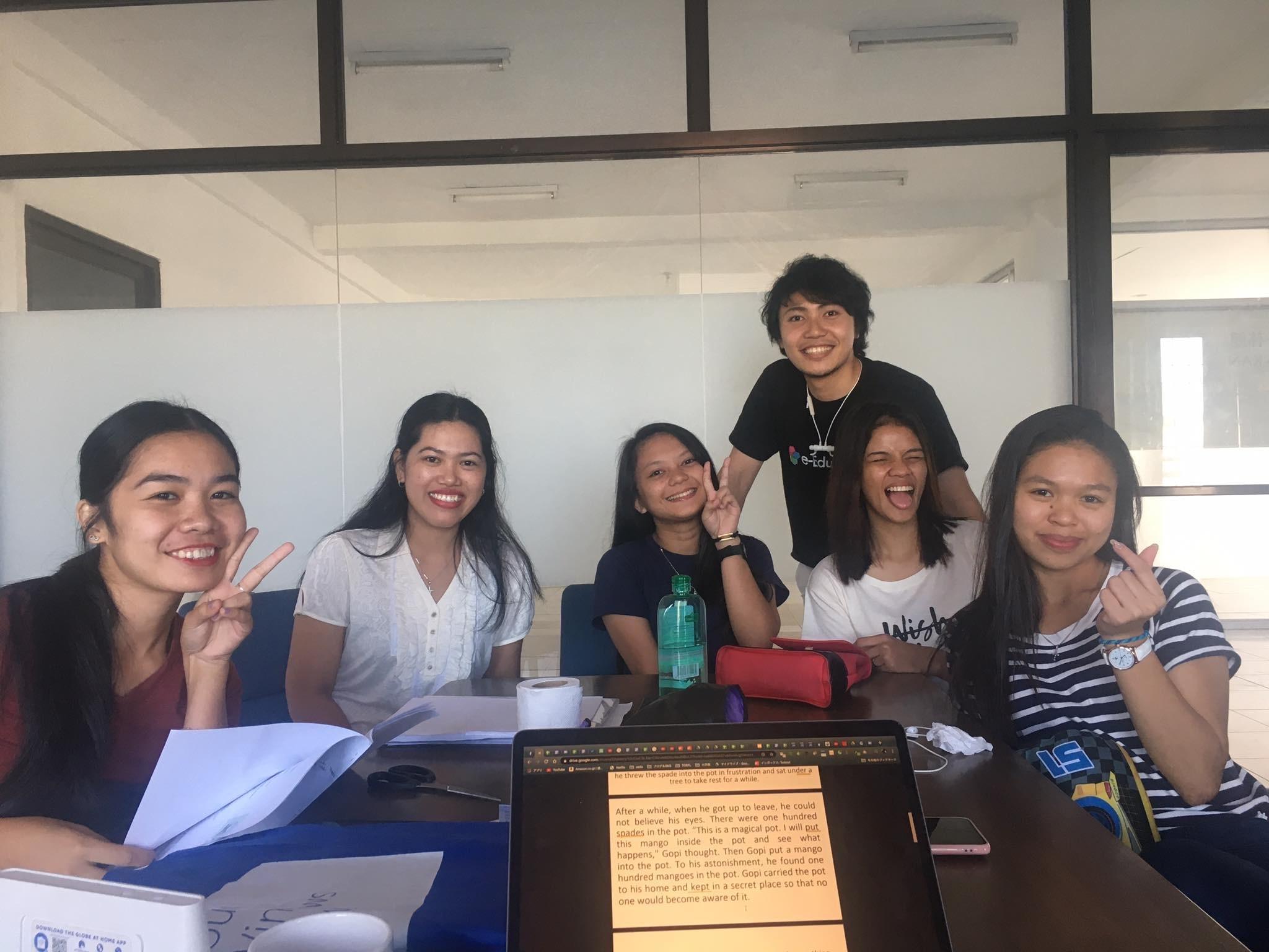 現在フィリピンで一緒に働く仲間たち