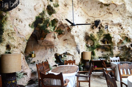 Ali-Barbour-Cave-Restaurant-in-Kenya-15
