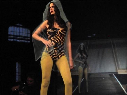 anti-malaria-garment-1-537x402
