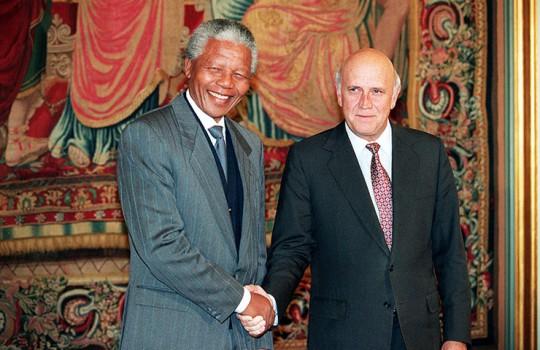 1993: Nelson Mandela and Frederik de Klerk
