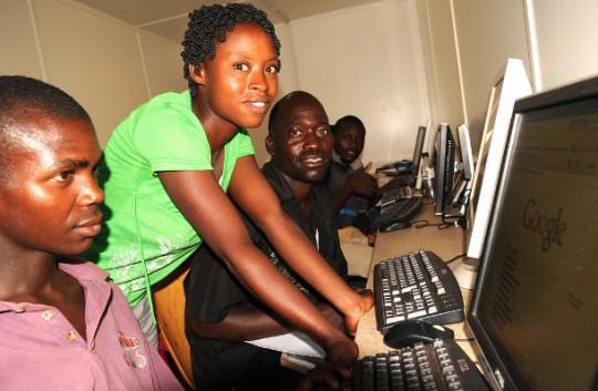 Kenyan-internet-cafe