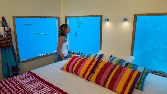 manta-resort-underwater-room-537x302