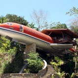 boeing-727-is-transformed-into-hotel-suite-in-costa-rican-designboom-01