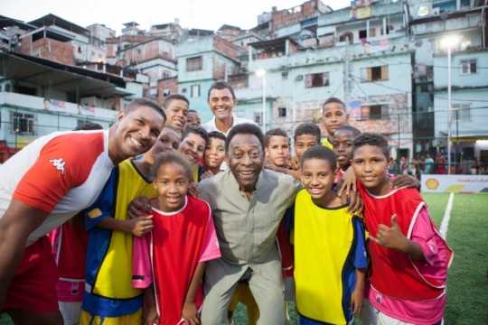 Pele-and-kids