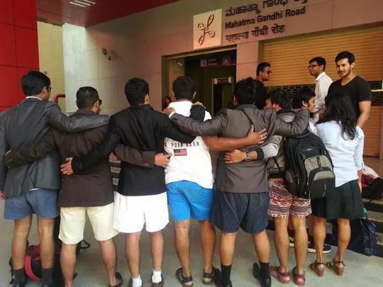 No pants subway ride2015  india