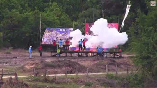 Thailand fireworks02